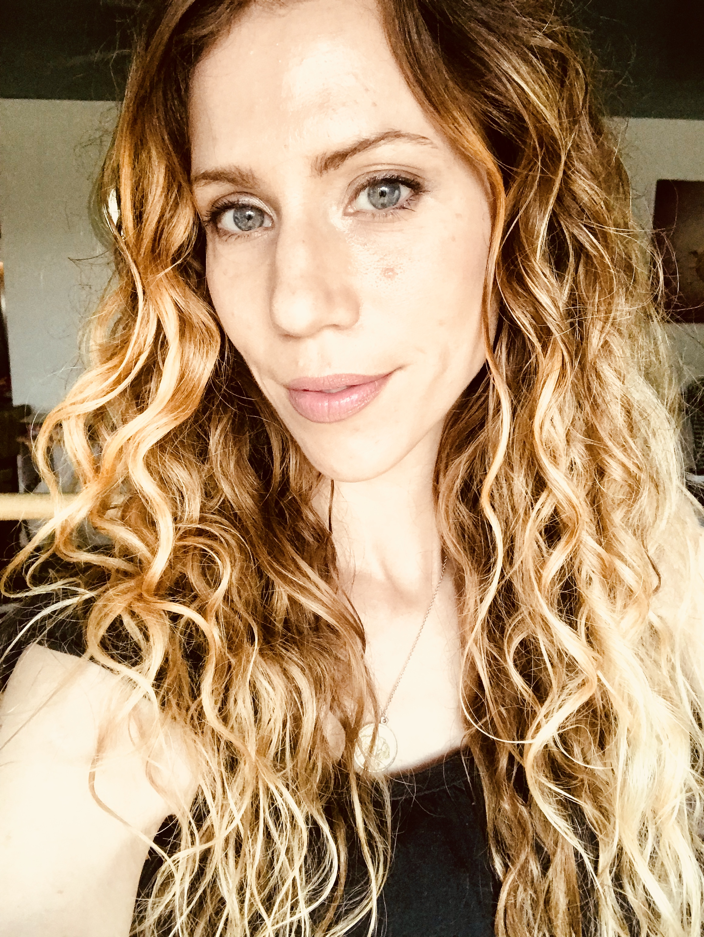 How to Get Natural Wavy Curls